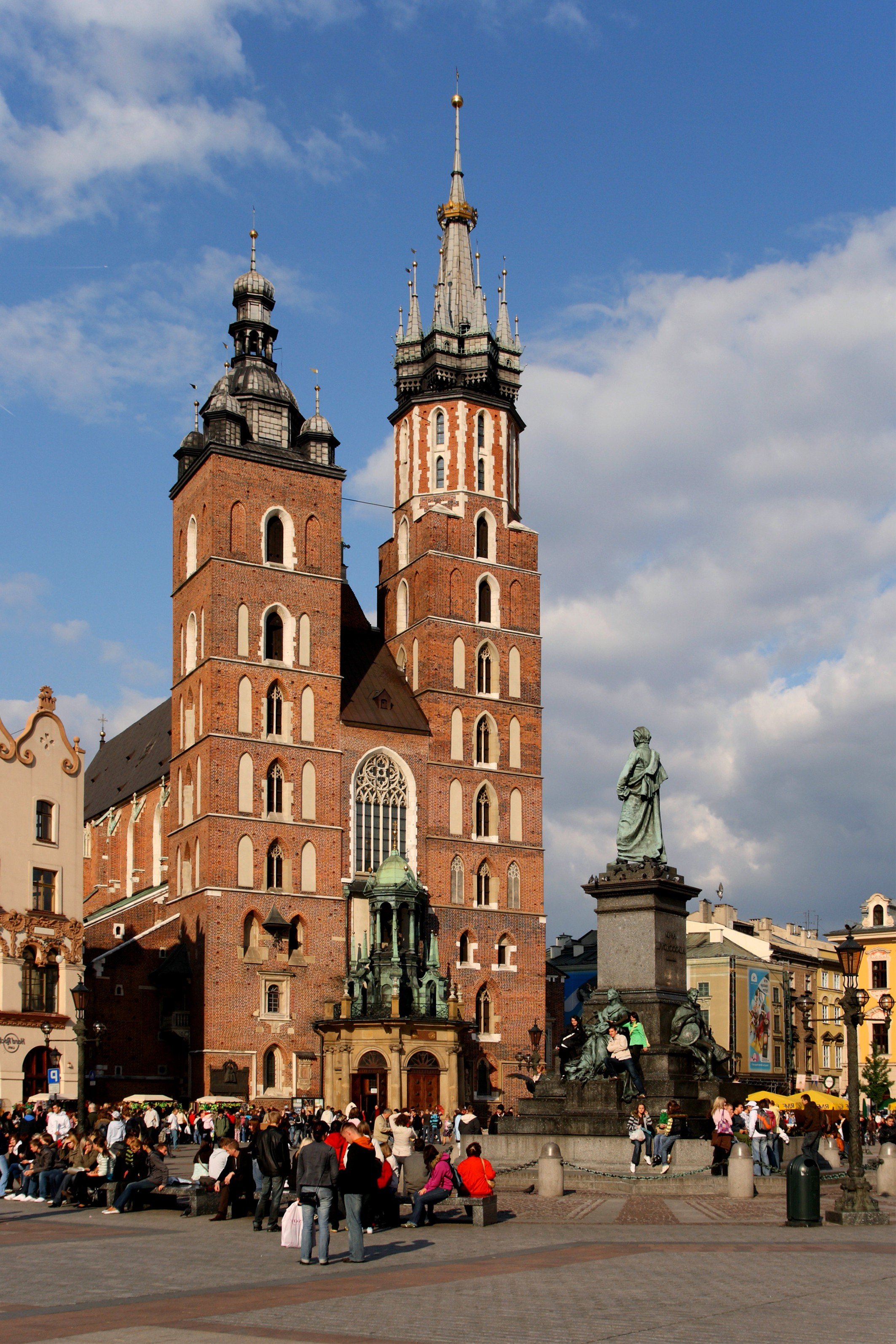 Kraków_-_St._Mary_Church_01